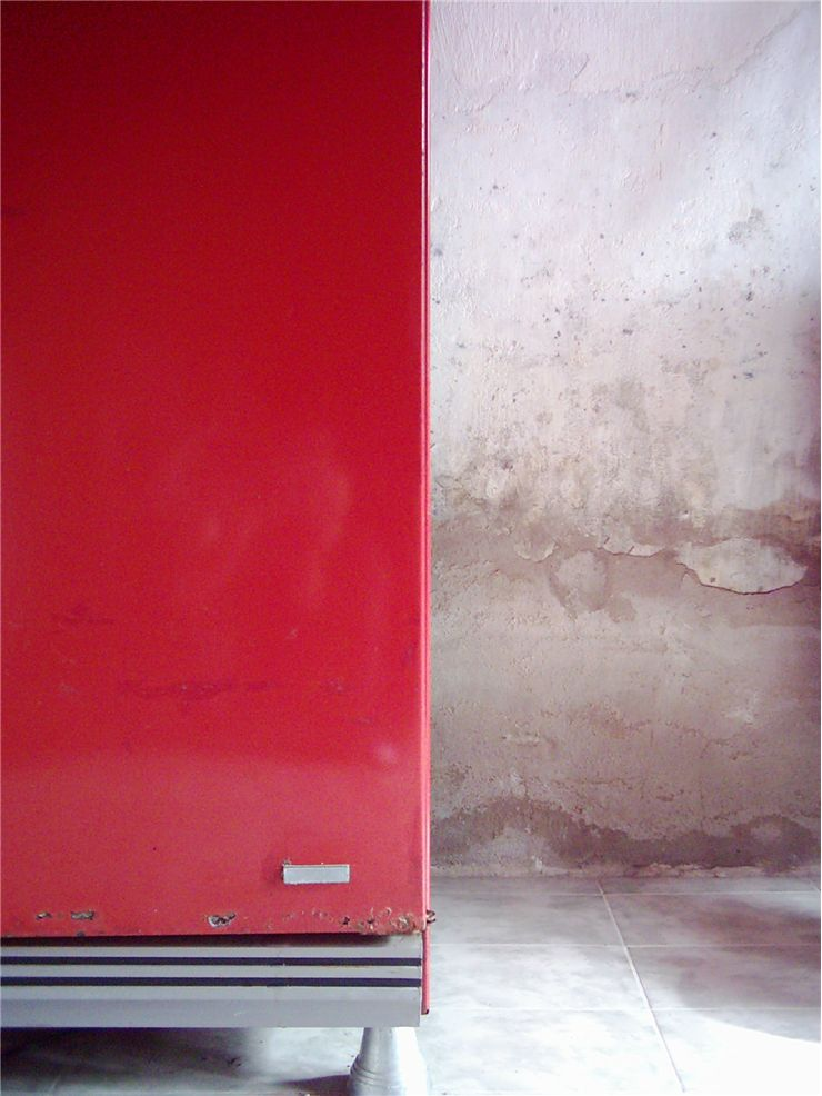Picture Of Old Red Freezer